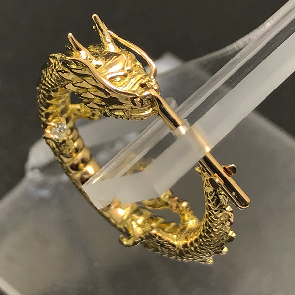 K18 DRAGON PIERCE